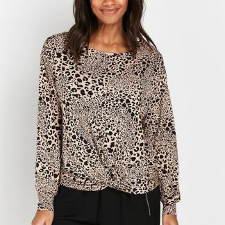Animal Print Is Still A Must-Have, And This Versatile Top Makes Wearing The Trend Easy. A Chic Neutral Hue Keeps This Easy To Pair, Whilst A Relaxed Fit And Knot Front Hem Mean This Is Sure To Flatter. Wear With Skinny Jeans And Ankle Boots For Easy Everyday Style. T-Shirt Round Neck Long Sleeve Relaxed Casual 96% Viscose, 4% Elastane. Machine Washable.